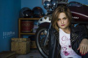 femme élégante à moto1